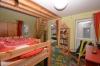 **VERMIETET**DIETZ: JÜGESHEIM Neuwertige Doppelhaushälfte mit Keller - Familienlage! - Schlafzimmer 2 von 3