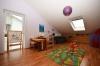 **VERMIETET**DIETZ: JÜGESHEIM Neuwertige Doppelhaushälfte mit Keller - Familienlage! - Schlafzimmer 3 von 3