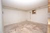**VERMIETET**DIETZ: Feine neu renovierte 3 Zimmerwohnung im ersten Obergeschoss - Urberach - Eigener Kellerraum