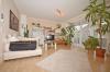 DIETZ: 2 Zimmer Erdgeschosswohnung mit extrabreiter Garage, Terrasse, Fußbodenheizung - Solarenergie - Wohnbereich m Terrassenzugang