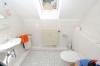 **VERMIETET**DIETZ: Moderne 3 Zimmer-Dachgeschosswohnung in toller freundlicher Lage - WC für Ihre Gäste