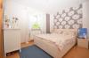 **VERMIETET**DIETZ: Einfamilien-Traumhaus mit vielen EXTRAS in herrlicher Lage von Klein-Wallstadt - OT - Schlafzimmer 1 von 4