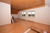 **VERMIETET**DIETZ: Neu renovierte 3 Zimmer-Dachgeschosswohnung mit Parkett neuem Tageslichtbadezimmer uvm. - Wohnzimmer