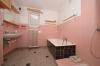 **VERMIETET**DIETZ: Tolles Gartengrundstück - Renovierungsbedürftiges Einfamilienhaus in Groß-Umstadt - Raibach - Bad mit Wanne+Dusche