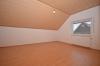 **VERMIETET**DIETZ: Neu sanierte helle 4-5-Zimmerwohnung in Babenhausen-OT www.immoprofi-dietz.de - Schlafzimmer 1 von 3