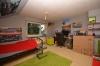 **VERMIETET**DIETZ: 1 - 2 Zimmer Wohnung mit eigenem Garten in ruhiger Lage von Babenhausen - Wohn- und Schlafzimmer