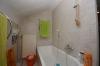 **VERMIETET**DIETZ: 1 - 2 Zimmer Wohnung mit eigenem Garten in ruhiger Lage von Babenhausen - Badewanne