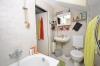 **VERMIETET**DIETZ: 1 - 2 Zimmer Wohnung mit eigenem Garten in ruhiger Lage von Babenhausen - Tageslichtbad