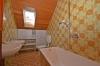**VERMIETET**DIETZ: Gepflegte Dachgeschosswohnung im ersten OG im Zweifamilienhaus - Garage und einzugsbereit! - Tageslichtbad Wanne