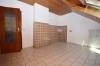 **VERMIETET**DIETZ: Gepflegte Dachgeschosswohnung im ersten OG im Zweifamilienhaus - Garage und einzugsbereit! - Küche