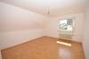 **VERMIETET**DIETZ: 3-4 Zimmerwohnung im Zweifamilienhaus Balkon, Garage, Garten Roßdorf - Schlafzimmer 1 von 2