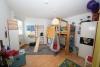 **VERMIETET**DIETZ: Moderne 3 Zi. Wohnung mit Tiefgaragenstellplatz, Tageslichtbad, West-Balkon uvm.!! - Schlafzimmer 2 von 2