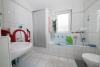 **VERMIETET**DIETZ: Moderne 3 Zi. Wohnung mit Tiefgaragenstellplatz, Tageslichtbad, West-Balkon uvm.!! - TGL-Bad mit Wanne und Dusche