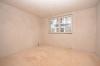**VERMIETET**DIETZ: Neubau 4 Zimmer Erdgeschosswohnung im Zentrum von Schaafheim - Schlafzimmer 1 von 3