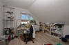 **VERMIETET**DIETZ: Moderne 3 Zimmer Dachgeschosswohnung, Einbauküche, Wanne, Dusche, Garage - Schlafzimmer 2 von 2