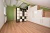 **VERMIETET**DIETZ: Teilmöblierte 2,5 Zimmer Dachgeschosswohnung mit Einbauküche - PKW-Stellplatz - Wanne+Dusche - Gäste-o Arbeitsbereich