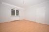 **VERMIETET**DIETZ: SEHR SCHÖNE 2,5 Zimmer Souterrainwohnung mit Terrasse in Waldrandlage Babenhausen OST - Schlafzimmer 1 von 2