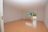 DIETZ: **Einmalige Gelegenheit** Erdgeschosswohnung in direkter Feldrandlage mit Wanne+Dusche+Balkon - Wohnzmmer