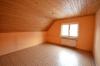 **VERMIETET**DIETZ: 3-4 Zimmer Dachgeschosswohnung im ersten Obergeschoss - Schlafzimmer 1 von 2