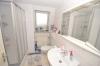 **VERMIETET**DIETZ: Gepflegte 2 Zimmer-Dachgeschosswohnung in Groß-Zimmern zu vermieten - Tageslichtbad mit Dusche