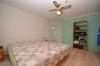 **VERMIETET**DIETZ: 4-Zimmer-Terrassenwohnung mit eigenem Garten, Doppelgarage und Einbauküche - Schlafzimmer 1 von 3