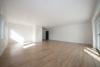 DIETZ: NEUWERTIGE, lichtdurchflutete 2-3 Zimmer-Wohnung in TOP-Lage von Mömlingen - Wohn Ess und Küchenbereich