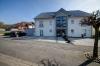 DIETZ: NEUWERTIGE, lichtdurchflutete 2-3 Zimmer-Wohnung in TOP-Lage von Mömlingen - Vordere Hausansicht