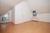 **VERMIETET**DIETZ: 2 Zimmer-Dachgeschosswohnung in Groß-Zimmern zu vermieten - Schlafzimmer 1 von 1
