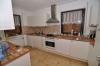 **VERMIETET**DIETZ: Großes freistehendes Einfamilienhaus - mit eingewachsenem Garten und Garage - Blick in die Küche