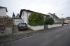 **VERMIETET**DIETZ: Großes freistehendes Einfamilienhaus - mit eingewachsenem Garten und Garage - Straßenansicht