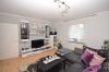**VERMIETET**DIETZ: Fast wie im eigenen Haus! 7 Zimmer auf 127 m² Wohnfläche mit eigenem Garten! - Wohnzimmer