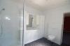 **VERMIETET**DIETZ: Fast wie im eigenen Haus! 7 Zimmer auf 127 m² Wohnfläche mit eigenem Garten! - Helles Tageslichtbad