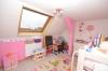 **VERMIETET**DIETZ: Fast wie im eigenen Haus! 7 Zimmer auf 127 m² Wohnfläche mit eigenem Garten! - Zimmer 1 von 3 DG