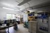 **VERMIETET**DIETZ: Ebenerdige Lager und Produktionsfläche mit Büro teilweise 8m Höhe - Weitere Bürofläche