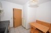 **VERMIETET**DIETZ: 1 Zimmer Souterrainwohnung mit Einbauküche und eigenem Eingang - Weitere Ansicht Einbauküche