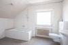 **VERMIETET**DIETZ: Großzügige 5-Zimmer-Dachgeschosswohnung in Babenhausen OT Langstadt - Nagelneues Tageslichtbad