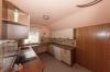 **VERMIETET**DIETZ: Großzügige 5-Zimmer-Dachgeschosswohnung in Babenhausen OT Langstadt - Küche