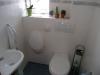 *Verkauft* Haus im Haus,TOLL geschnittene 5 Zi. Maisonetten- wohnung in absolut ruhiger Lage von Sc - Das Gäste WC mit Urinal