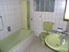 Begehrte Hofreite in Schaafheim, mit vielen Nebengebäuden und einer riesigen Scheune. - Badezimmer