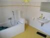 Top renovierte, reizvolle Hofreite  für den Liebhaber ! !!!  Dringend wieder Objekte dieser Art ges - Badezimmer 2 mit Wanne