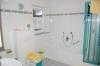 *Verkauft*  TOP-Wohnung m. Südbalkon u. Garage (NEUWERTIG) - Bad mit Wanne u. Dusche (modern gefliest mit Borte)