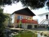*Verkauft*  Doppelhaushälfte mit Nebengebäuden und Garten. - Hintere Hausansicht