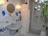 **VERKAUFT**  ÜElegante Doppelhaushälfte im Landhausstil- Für Gartenfreunde. In beliebter Lage von Babenhausen - Tageslichtbad mit einer Dusche und einer Wanne