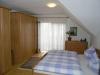 **VERKAUFT**  EXKLUSIVE große Doppelhaushäfte mit Garten und Garage (Tadeloser Zustand) - Schlafzimmer 1 (mit Balkon)