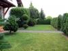 **VERKAUFT**  EXKLUSIVE große Doppelhaushäfte mit Garten und Garage (Tadeloser Zustand) - Eine Teilansicht vom Garten