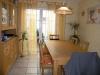 **VERKAUFT**  Hochwertige Doppelhaushälfte mit Einliegerwohnung, direkt in Schaafheim - Das Esszimmer befindet sich direkt neben der Küche
