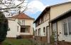**Verkauft**   2 Familienhaus in dieser Lage möchten viele - Ansicht mit Nebengebäude