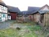 **VERKAUFT**  Abrissgrundstück mit Scheune und Nebengebäuden.  - 1002 m² - bebaubar mit 3 freistehenden Wohnhäusern ! - Ansicht 2