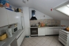 **Verkauft**  Sonniges freistehendes 1 - 2 Familienhaus mit Traumgarten und Garage- - in ruhiger Lage von Groß Umstadt - - Küche Bild 2 (Obergeschoss)