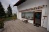 **Verkauft**  Sonniges freistehendes 1 - 2 Familienhaus mit Traumgarten und Garage- - in ruhiger Lage von Groß Umstadt - - Große Terrasse Bild 2 (mit Markise)